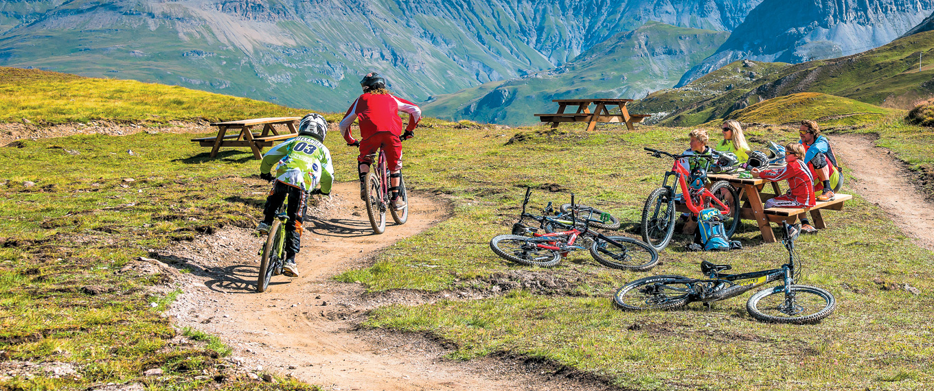 view of val d'isere from Bike Park : Les itinéraires VTT