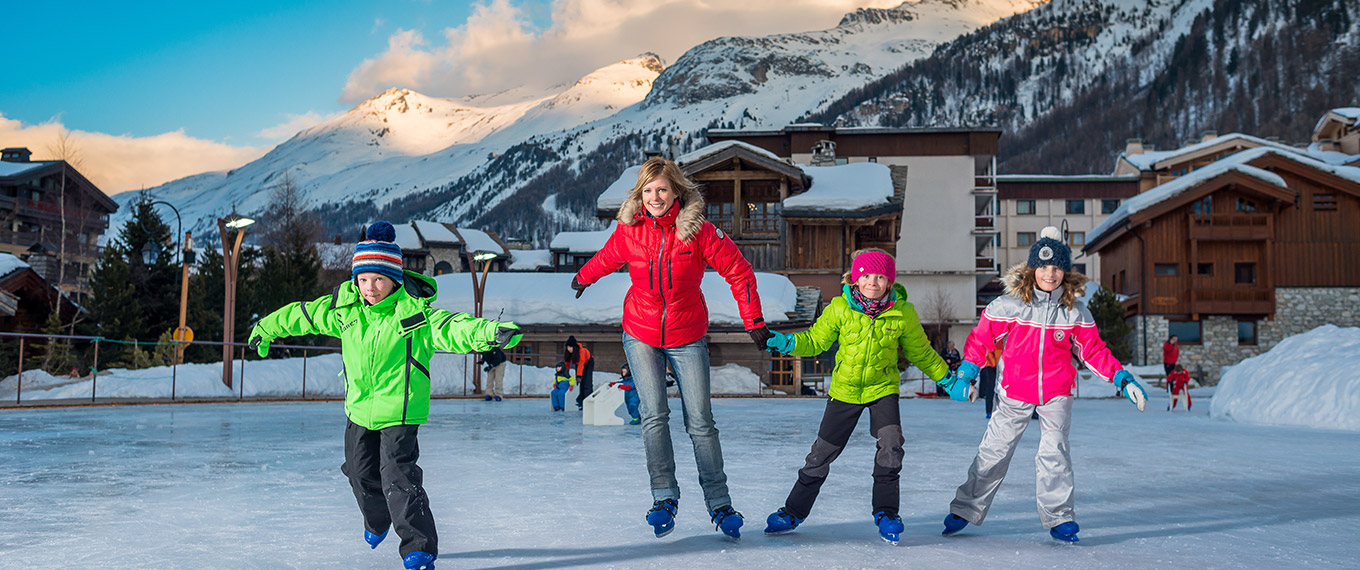view of val d'isere from Patinoire